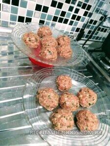 Almondegas ao molho ingredientes 4